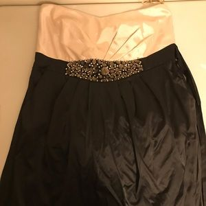 Torrid Strapless holiday dress with pockets!!